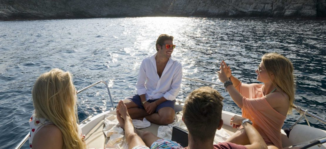 Pessoas no Barco